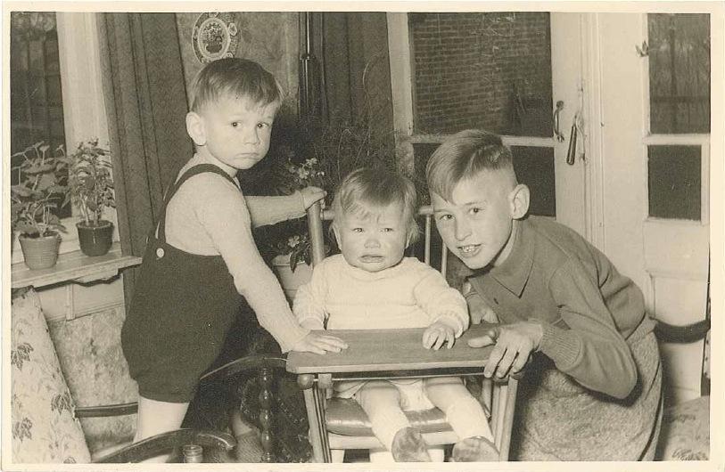 Bert, zus Roos, broer John / 1957
